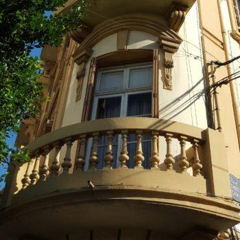 Balcón Avda Reyes Católicos esquina Severo Ochoa