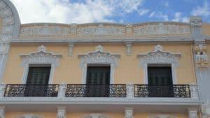 Balconada piso superior Avda. Juan Carlos I Rey