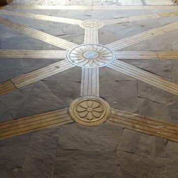 Capilla de Santiago, suelo