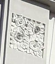 Decoración floral en las fachadas