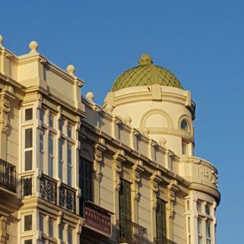 Edificio desde la Avenida Juan Carlos I