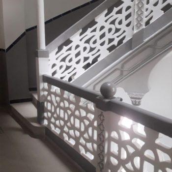 Decoración de balaustrada y suelo. Fotografía de Chelo Ortiz