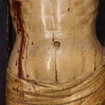 Cristo de la Vera Cruz. Detalle del torso y paño de pureza. Fotografía de Miguel Gómez Bernadi.