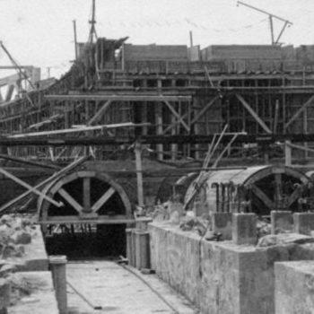 Construcción del cargadero del mineral.Cuando fuimos soldados en Melilla