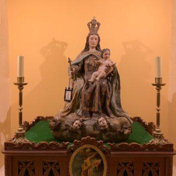 Virgen del Carmen en la Medalla Milagrosa. Fotografía de Luis Legido Frías