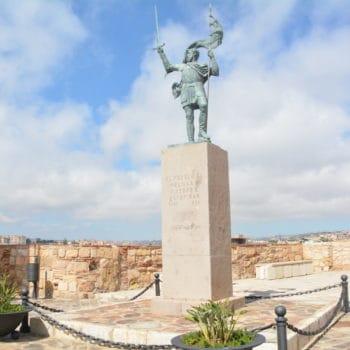 Monumento a Pedro de Estopiñán